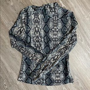 Long sleeved snake print turtle neck!